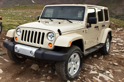 pre owned 2012 jeep wrangler unlimited 4x4 sahara 4dr suv 26145a. Black Bedroom Furniture Sets. Home Design Ideas